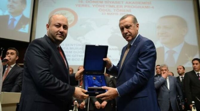 AKP'li belediyelerin LED ekranları, eski AKP'li yöneticiden